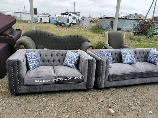 Tufted sofa/two seater sofa/modern sofasets/modern sofas/tufted sofas/sofasets image 1