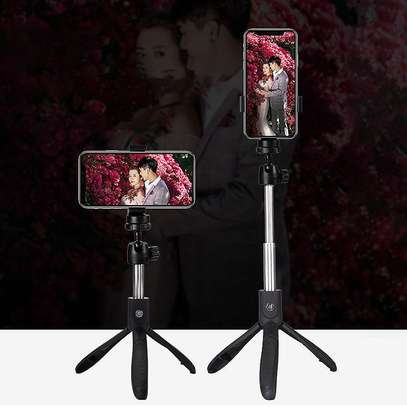 K05 Selfie Stick Tripod Stand 4 in 1 Extendable Monopod Bluetooth Remote Phone Mount for iPhone X 8 Android Gopro image 2