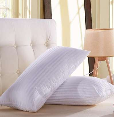 SOFT FLUFFY BED PILLOWS