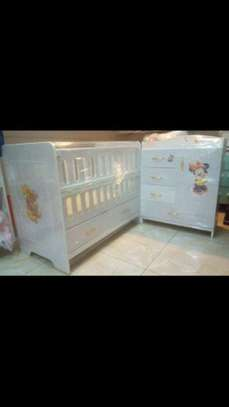Classy Baby Crib with Chest Drawers image 1