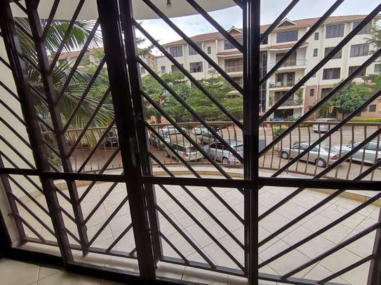 AN EXCEPTIONAL 3 BEDROOM APARTMENT ALL ENSUITE WITH DSQ image 14