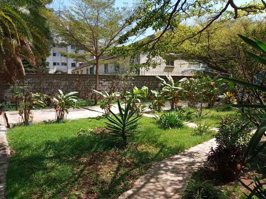 237 m² office for rent in Kilimani image 2