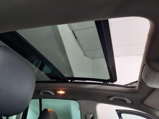 Volkswagen Tiguan 2.0 S image 11