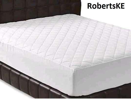 waterproof bedspread mattress protector 5by6 image 1