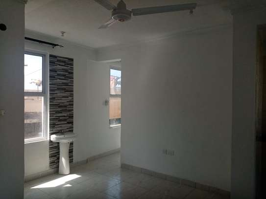 1br Sunset Court newly built apartment for rent in Nyali. AR51 image 7