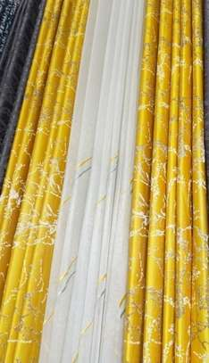 Quality flowered curtains image 2