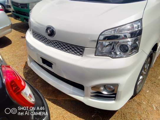 Toyota voxy clean very new image 2