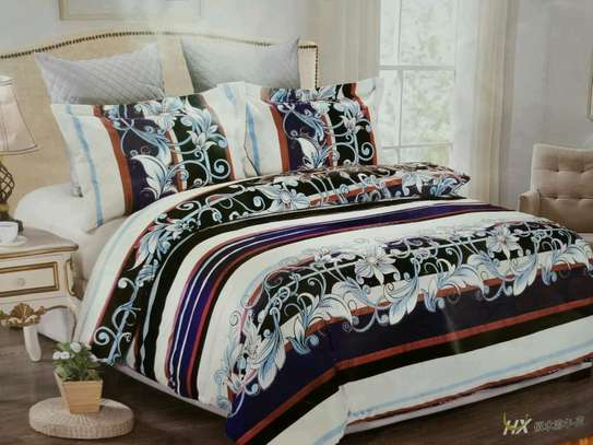 Woolen duvet with 1 bedsheet and two pillow cases image 1