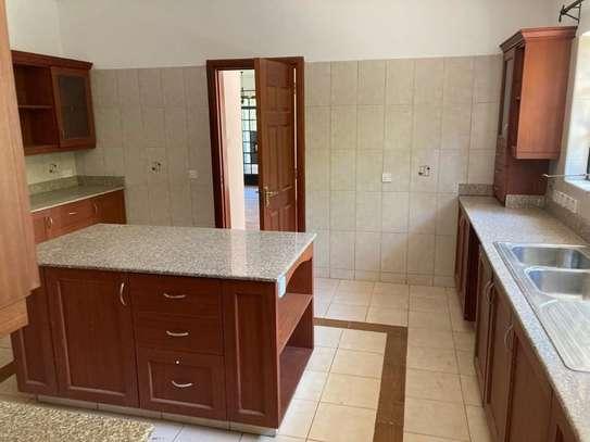 4 bedroom townhouse for rent in Karen image 4