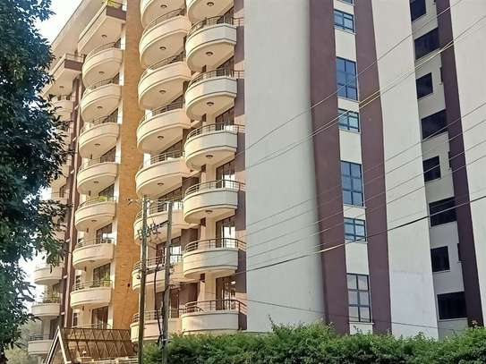 3 bedroom apartment for rent in Riverside image 10