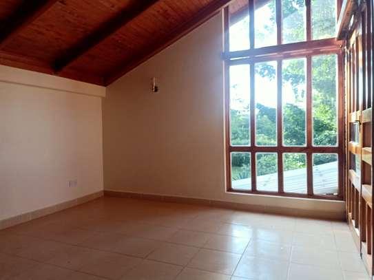 4 bedroom house for rent in Windsor image 6