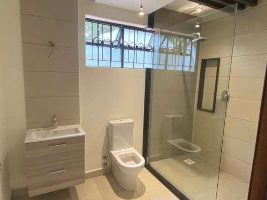 5 bedroom house for rent in Kitisuru image 16