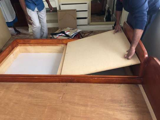 2 Single twin wooden beds