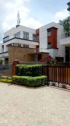 Modern Townhouse For Sale In LAVINGTON