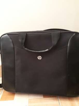 hp pavilion 15 in good condition  Windows 8.1 Processor: Intel(R) Core (TM) i3-4005U  CPU @ 1.75GHz Installed Memory (RAM): 6GB System type: 64-bit OS CD/DVD player image 4