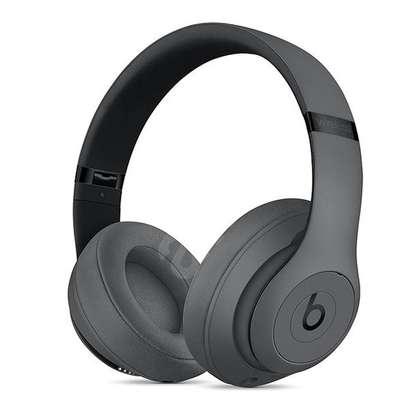 Beats Studio 3 Wireless image 2