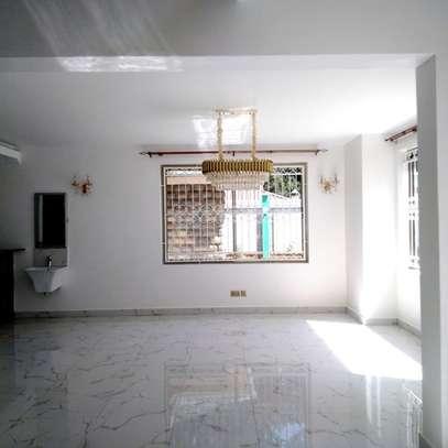 6 bedroom townhouse for rent in Karen image 4