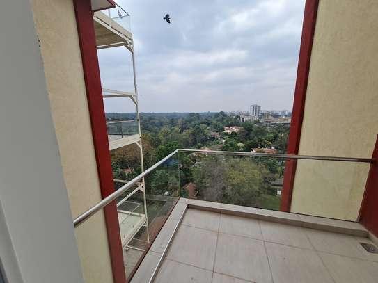 5 bedroom apartment for rent in General Mathenge image 3