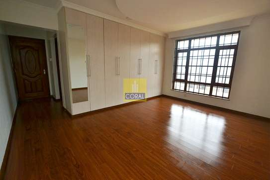 4 bedroom house for rent in Rosslyn image 14
