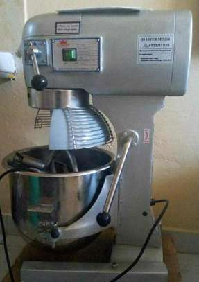 Commercial food and dough mixer