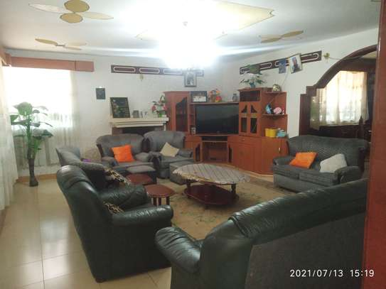 4 bedroom home to let in Muthaiga north image 11