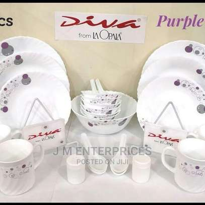39 Pcs Diva Dinner Set image 1