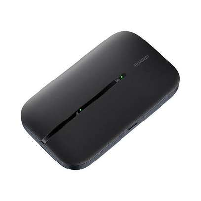 HUAWEI Mifi E5576-320 Pocket-size Impressively Lightweight image 3