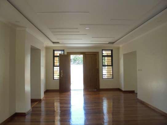6 bedroom house for rent in Runda image 5