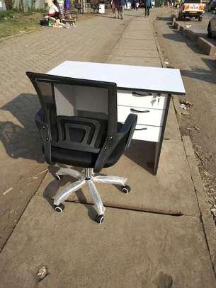 Office desk 1m+ chair image 2