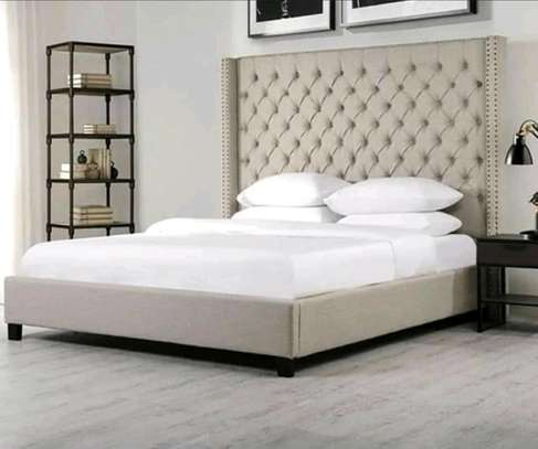 6x6 tufted bed