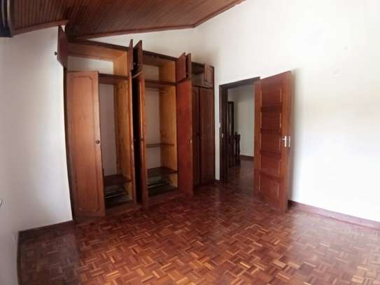 4 bedroom townhouse for rent in Kilimani image 16