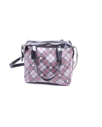Sling bag with chain and zipper closure image 3