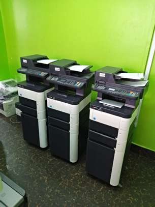 Cost efficient Kyocera M3040dn Photocopier machine image 2