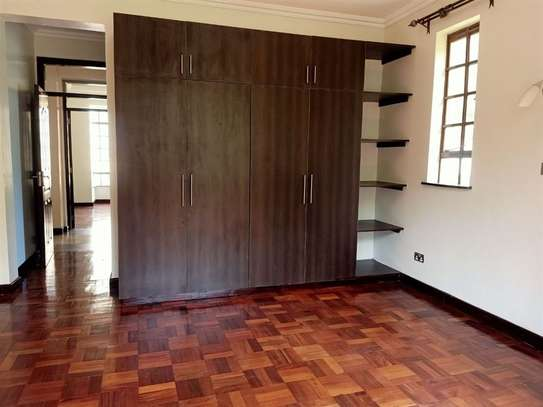 4 bedroom house for rent in Rosslyn image 13