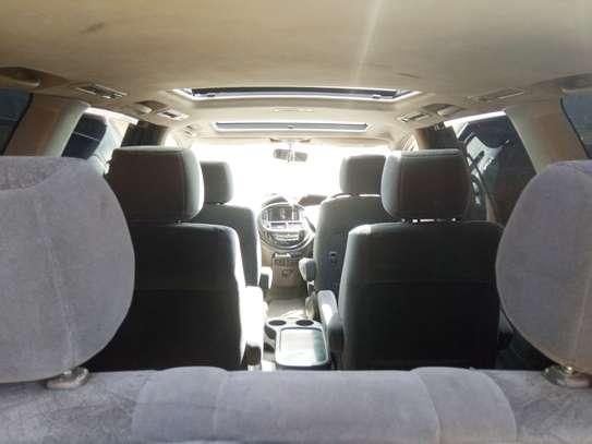 Toyota Estima hot sale image 6
