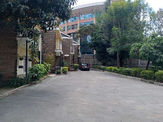 3 bedroom townhouse for rent in Kilimani image 16