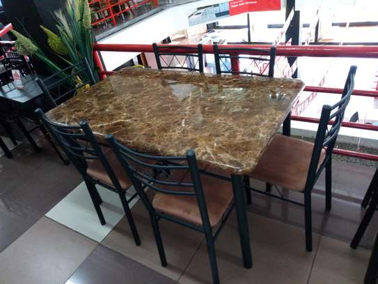 6seaters dining table