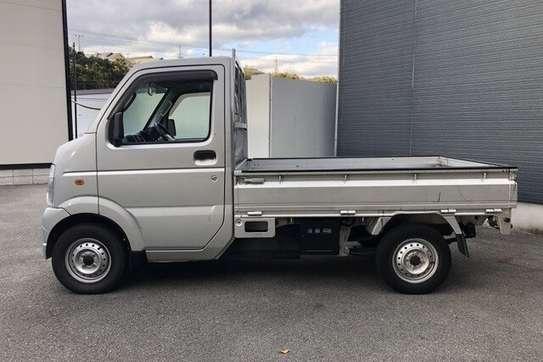 Suzuki carry truck image 3