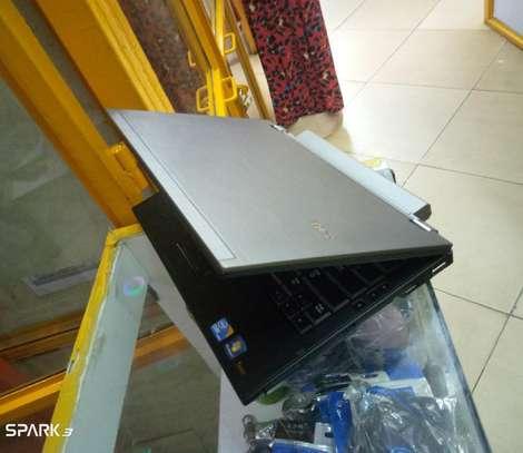 Laptop Dell Latitude E4310 4GB Intel Core i5 HDD 500GB image 1