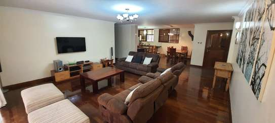 Furnished 3 bedroom apartment for rent in Kileleshwa image 3