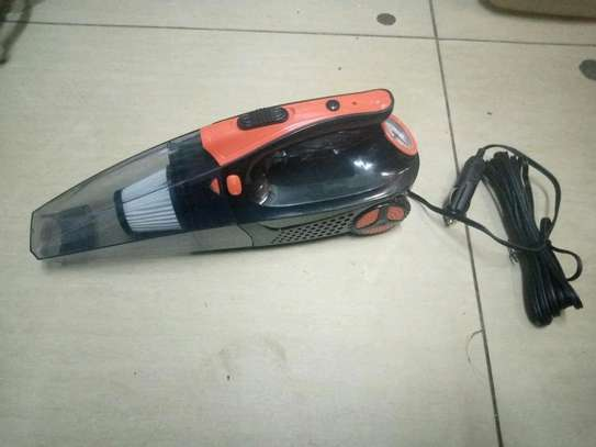 Multifunctional car vacuum cleaner with compressor