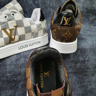 loise vuiton sneakers image 1