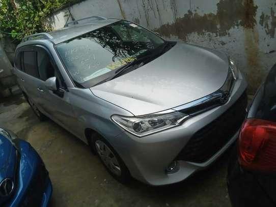 Toyota Fielder image 4