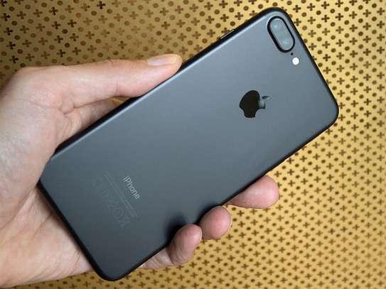 Apple iPhone 7 Plus image 1