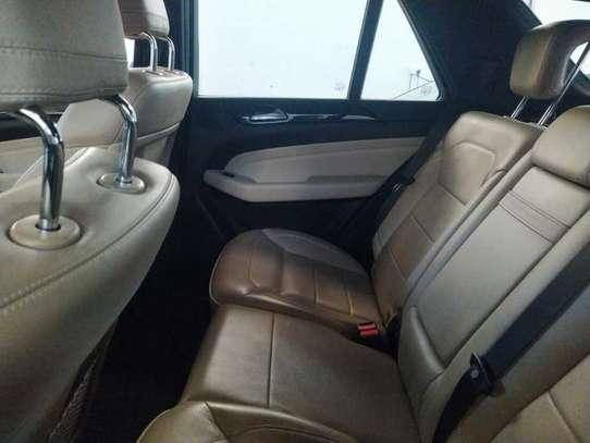 Mercedes-Benz ML350 image 4