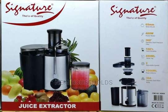 Juice Extractor - Signature image 1
