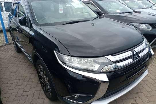 Mitsubishi Outlander image 4