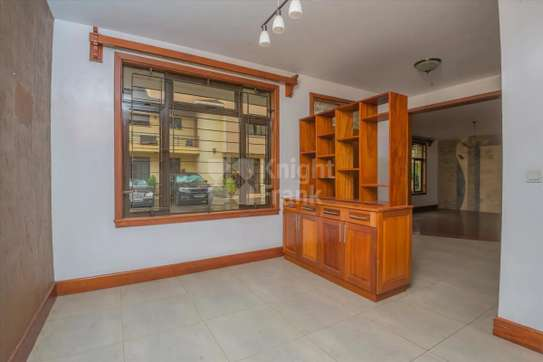 Stunning 5 Bedroom Townhouse to rent in Lavington image 2