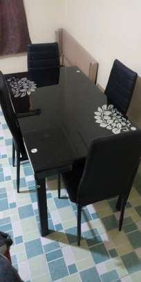 Dining table p5 image 1