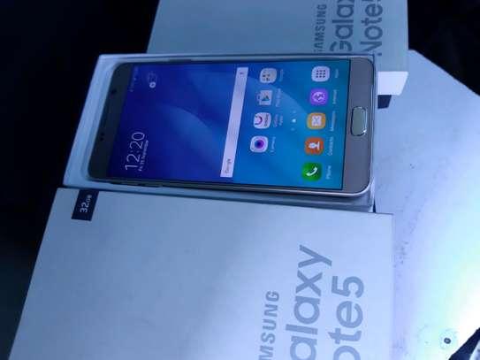 Samsung Note 5 image 5